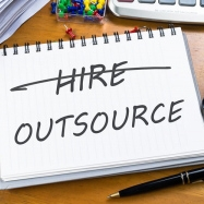 THE ESSENTIAL GUIDE TO OUTSOURCING MOBILE APP DEVELOPMENT